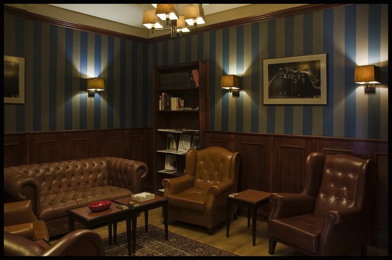 Wnętrze Aficionado Room